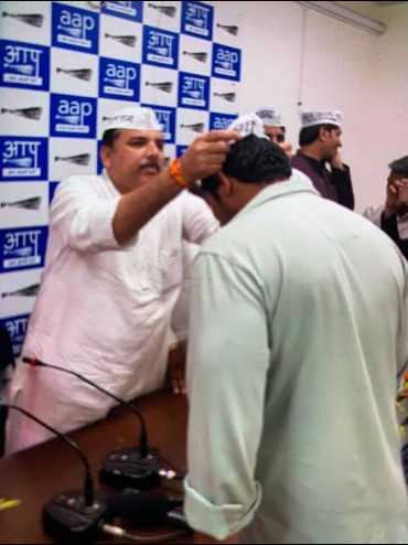 🙌 दिल्ली विधानसभा चुनाव - 「 剛剛 ! - ShareChat