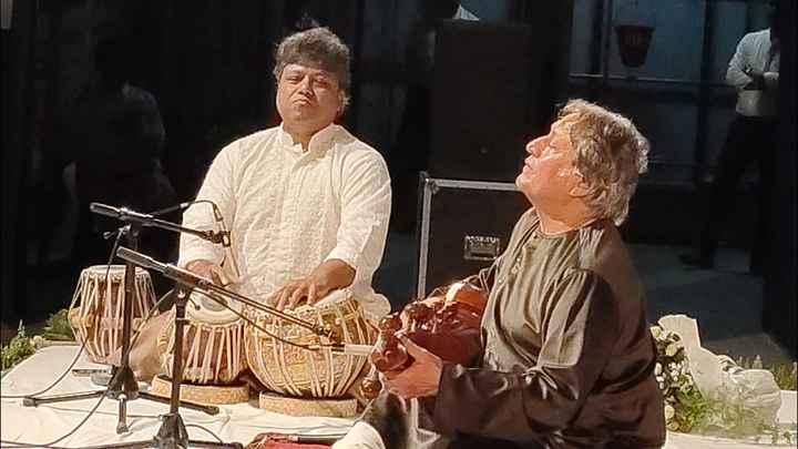 উস্তাদ আমজাদ আলী খান - ShareChat