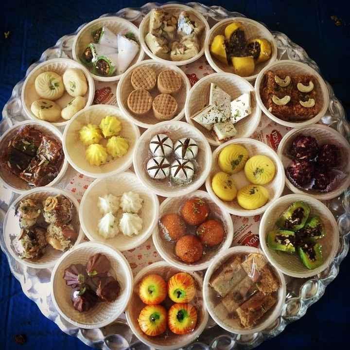 🍲 દિવાળીના નાસ્તા અને મીઠાઈ - SONJA - ShareChat