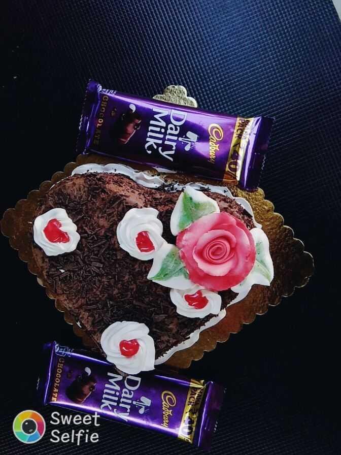 🎂 ન્યૂ યર Cake/ Sweets - PACK 40 Cadbury PACK Dairy Cadbury Milk Dair Milk SCHOCOLATE Sweet Selfie CHOCOLATE - ShareChat