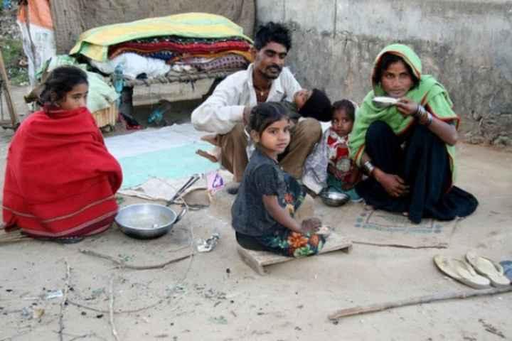 👨🌾 આંતરરાષ્ટ્રીય ગરીબી નાબૂદી દિવસ - ShareChat