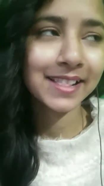 lipping 😘 - ShareChat
