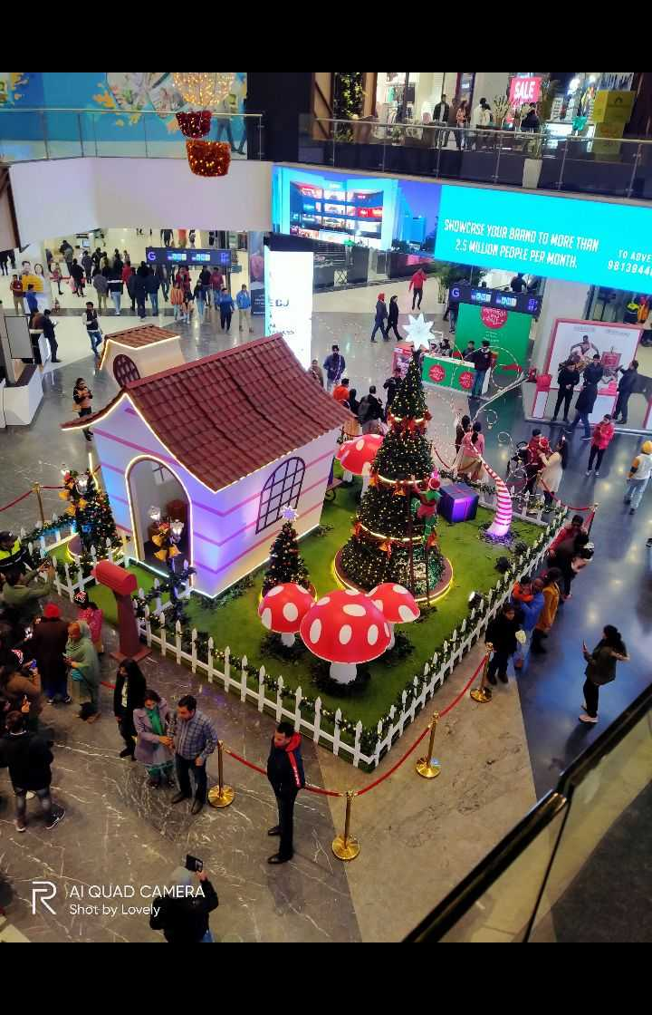 🎅Merry Christmas🎄 - SHOWCASE YOUR BRAND TO MORE THAN 2 . 5 MILLION PEOPLE PER MONTH . G C 9813844 80 B 2 V CA SAI QUAD CAMERA Shot by Lovely - ShareChat