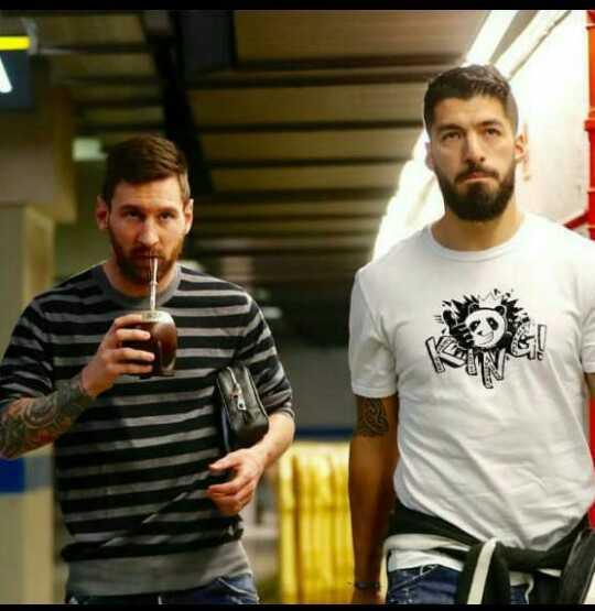 😍 Messi Fans - ShareChat