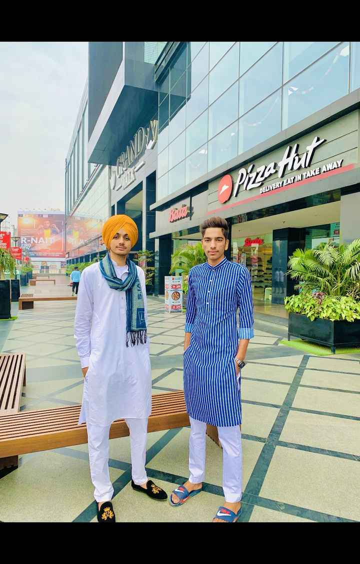 dosti😊😊☺☺ - Pizza Hulicama DELIVERY EAT IN TAKE AWAY 23RD Ver - ShareChat